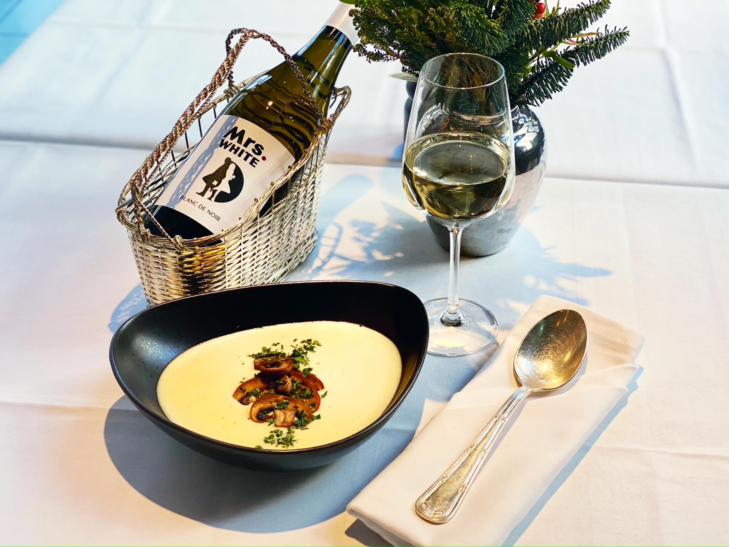 Bissfest - Der Kochcast, Kartoffelsuppe, Geröstete Kartoffelsuppe, Podcast, Rezept, Wein, Blanc de Noir, Mrs. White