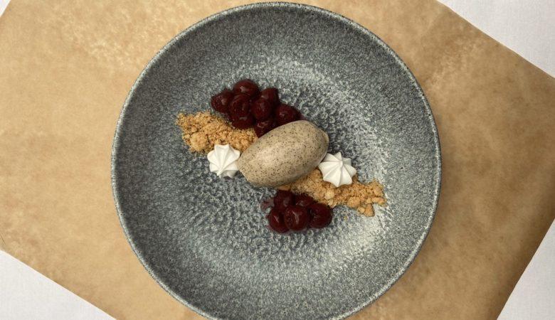 Mokkamousse, Dessert, Nachspeise, Spekulatius, Sauerkischen, Rezept, Herbst, Herbstmenü, BISSFEST - Der Kochcast